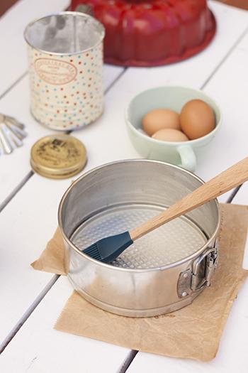 Antiadherente para moldes casero la cuchara azul sacad for Moldes de cocina