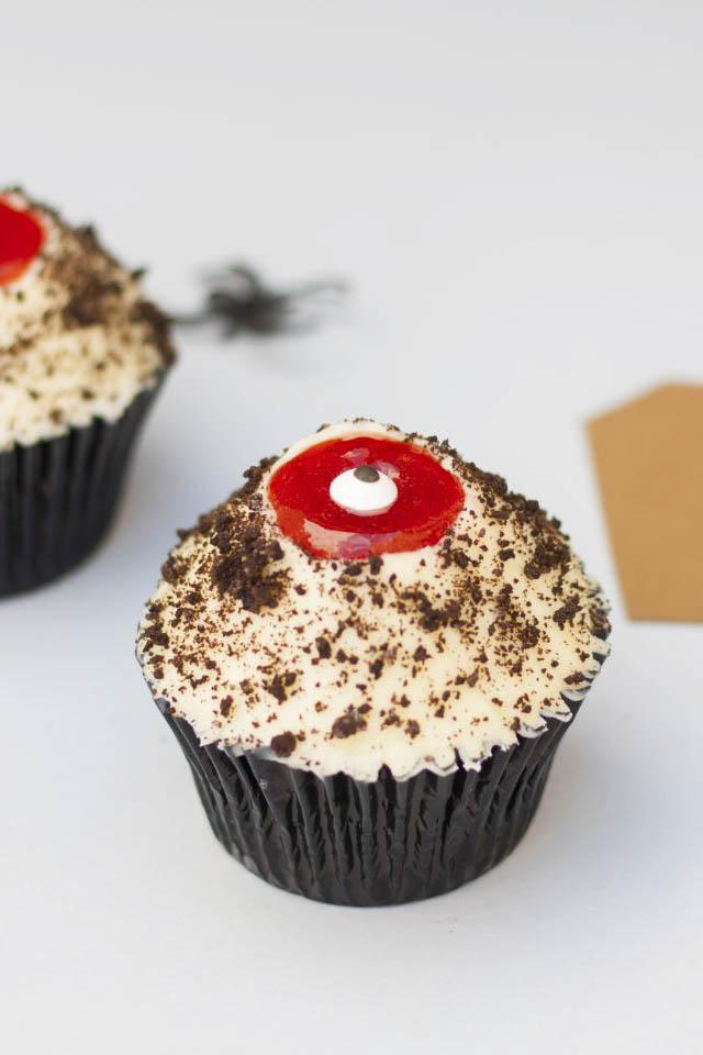 cupcake sangriento chocolate y crema