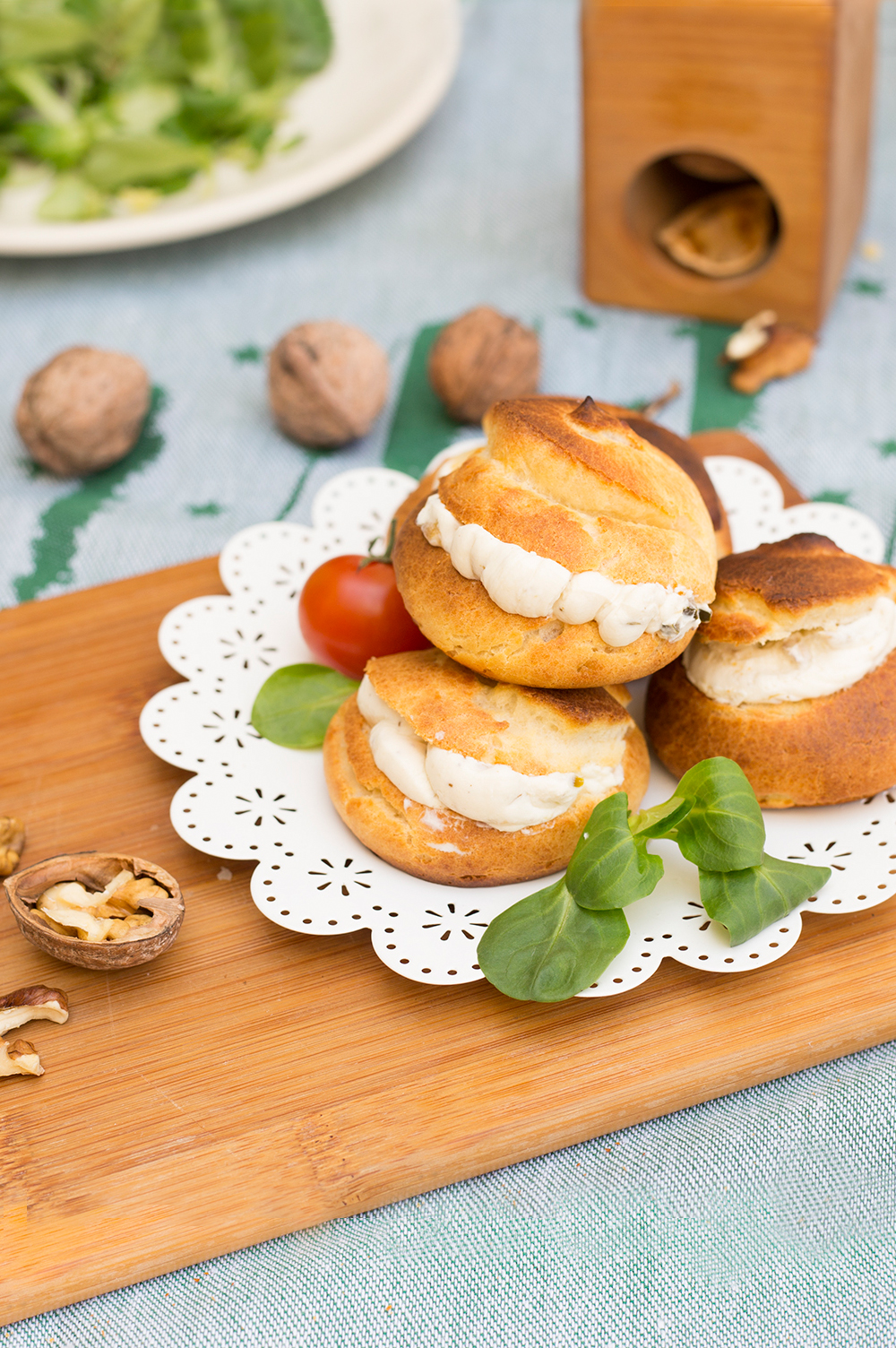 Profiteroles salados rellenos de queso con pepino la - Profiteroles salados rellenos ...